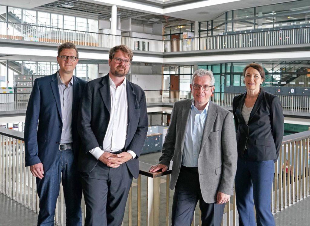 In this picture from left to right: Prof. Dr. Oliver Müller, Dr. Philipp Kellmeyer, Prof. Dr. Wolfram Burgard and Prof. Dr. Silja Vöneky. Together, they form an interdisciplinary working group on responsible artificial intelligence.