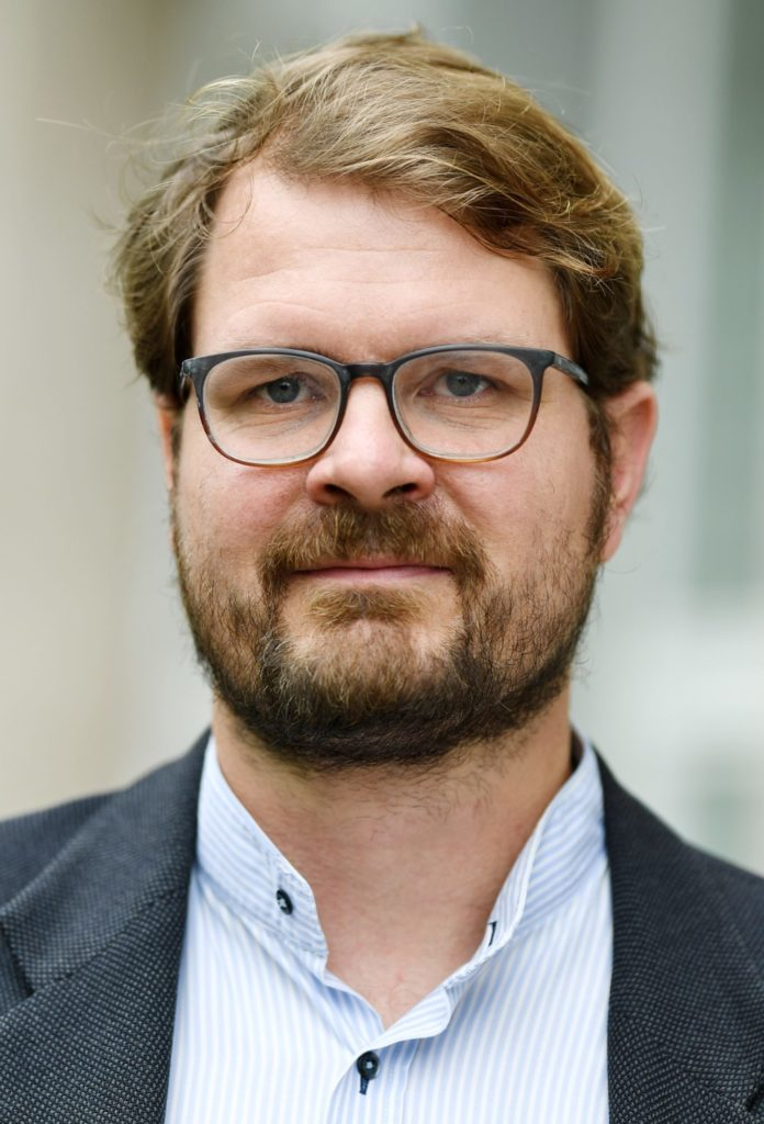 Dr. Philipp Kellmeyer is part of the leadership team of the FRIAS Saltus! Group Responsible Artificial Intelligence.
